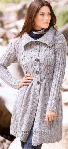 Короткое пальто с рельефным узором
