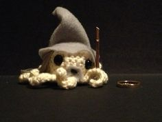 Gandalf the Grey Octopus! Perfect for any Lord of the Rings fan! Amigurumi crochet!