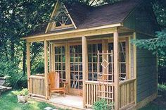 I would love a backyard studio like this one day, only a tad bit bigger.