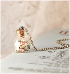DIY seashell jewelry, I wonder if I could actually make this?