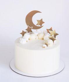 eid al fitr 2018 cake Pretty Cakes, Beautiful Cakes, Baby Birthday, Birthday Cake, Star Cakes, Star Baby Showers, Moon Cake, Cupcake Cakes, Eid Cakes
