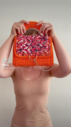 Diy Crochet Bag, Thread Crochet, Crochet Yarn, Crochet Clothes, Crochet Handbags, Crochet Purses, Crochet Backpack Pattern, Crochet Stitches For Beginners, Embroidery Bags