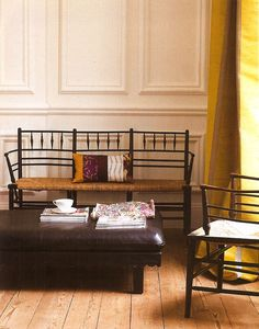 Modernizing Sussex bench with contemporary printed lumbar pillow & leather daybed (Lynn Byrne: Decor Arts Now) Arts And Crafts Furniture, Arts And Crafts House, Furniture Decor, Furniture Design, Leather Daybed, My Home Design, Arts And Crafts Movement, Dream Rooms, House Rooms