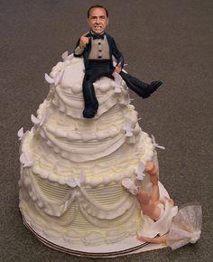 I love divorce cakes ...