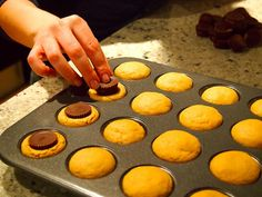 Trendy Schmendy: peanut butter cookies with peanut butter cups