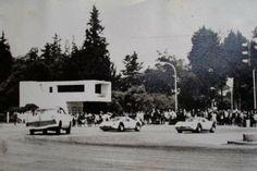 Santafé de Bogotá - Universidad Nacional - 1960 - Autos en carrera.