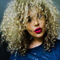 Halp! Halp! She's so pretty it hurts! | 19 Women With Downright Beautiful Facial Piercings