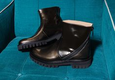 NEW ENGLAND MILITARY BOOTS IN LAMINATED LEATHER WITH A ZIPPER - Shoes Woman - Alberto Guardiani