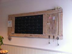 Van een oude deur een prachtige handige memo bord gemaakt!