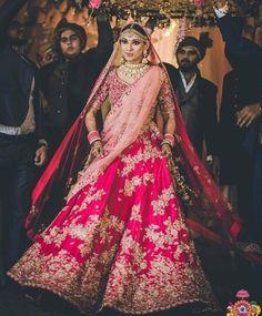 Amazing hacks on how to resuse your old bridal lehenga and make its best use yet stylish. Reuse your old bridal lehenga in the best way Pink Bridal Lehenga, Indian Wedding Lehenga, Indian Wedding Wear, Designer Bridal Lehenga, Indian Bridal Outfits, Indian Bridal Fashion, Pink Lehenga, Shaadi Lehenga, Pakistani Bridal Lehenga