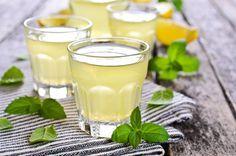 Ananaslikeur maken
