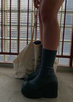 Dr Shoes, Goth Shoes, Cute Shoes Heels, Pretty Shoes, Me Too Shoes, Shoes Sneakers, Heeled Boots, Shoe Boots, Fashion Shoes