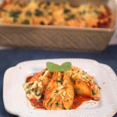 Beyond Sausage Stuffed Pasta Shells - Beyond Meat - The Future of Protein™ Healthy Sausage Recipes, Sausage Pasta Recipes, Meat Recipes, Appetizer Recipes, Dinner Recipes, Healthy Food, Healthy Eating, Vegan Recipes Videos, Vegan Recipes Easy