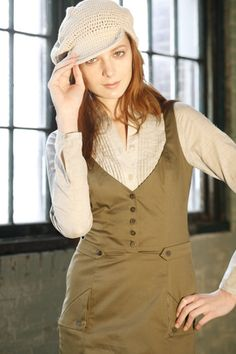 Laura dress at burda style. Simple and a little steampunk....need to make this.