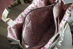 E074-137 24cmファスナーのあおりバッグ : うねうねごろごろ Inside Bag, Louis Vuitton Monogram, Sewing Patterns, Pocket, Handmade, Sew Bags, Accessories, Free, Fashion