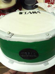 Tama  drum spice cake  http://sites.google.com/cakesbycortneypaup/