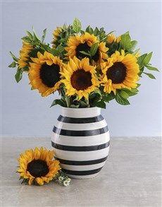 Sunflowers In A Black And White Vase Sunflower Floral Arrangements Sunflower Wallpaper Sunflower Vase