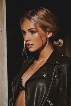 Scarlett Leithold - Photoshoot by Bogdan Morozovskiy Pretty People, Beautiful People, Beautiful Women, Moda Rock, Inka Williams, Scarlett Leithold, Scarlett Rose, Foto Instagram, Instagram Posts