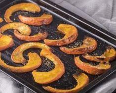 Lamelles de potimarron rôties au four : http://www.fourchette-et-bikini.fr/recettes/recettes-minceur/lamelles-de-potimarron-roties-au-four.html
