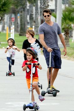 David Charvet and kids enjoying a family scooting day... David's on a Micro Kickboard Monster: AU: http://www.microscooters.co.nz/scooters/adult-scooters/kb0022-kickboard-monster-jt NZ: http://www.microscooters.co.nz/scooters/adult-scooters/kb0022-kickboard-monster-jt