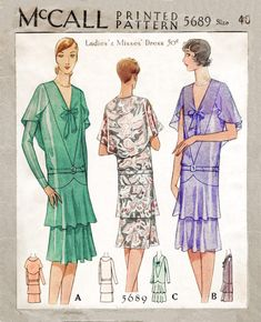 A gorgeous late McCalls pattern for dress in three variations. Dropped waist, fluttering capelet encloses the back, tiered flounce skirt that sits just below the knee. 1920s Outfits, Vintage Outfits, Vintage Fashion, 20s Fashion, Fashion History, Vintage Dress Patterns, Vintage Gowns, Fashion Through The Decades, Vintage Bathing Suits