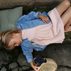 Rochie Poudre Organic din muselina - Hibiscus Evening Sand Hibiscus, Dresser, Wordpress Theme, Kids Fashion, Creative, Cotton Dresses, Ecommerce, Organic Cotton, Spring