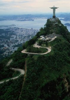 Morro do Corcovado e o Cristo Redentor. Rio de Janeiro, estado do Rio de Janeiro, Brasil.