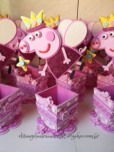 Peppa Pig What a great idea. Perfect for the next one # Children's birthday to the motto 4th Birthday Parties, 3rd Birthday, Fiestas Peppa Pig, Aniversario Peppa Pig, Pig Birthday Cakes, Pig Party, Festa Party, Valentine Box, Childrens Party