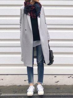 寒くなってくると一挙に出番が多くなってくるアウターは、毎日のコーデに欠かせないアイテム。ですが、時にもっさりとした印象になってしまい困ることってありませんか?定番や流行のアウターを例に、すっきり着こなすコツをご紹介します。 Style Me, Normcore