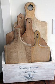 Kitchen storage diy pantry cutting boards 18 ideas for 2019 Diy Kitchen Storage, Diy Storage, Kitchen Decor, Storage Ideas, Kitchen Organization, Wood Storage, Extra Storage, Organization Ideas, Kitchen Dining