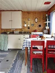 innsida av slitt hytte - Google-søk Kitchen Island, Table, Furniture, Google, Home Decor, Island Kitchen, Decoration Home, Room Decor, Tables