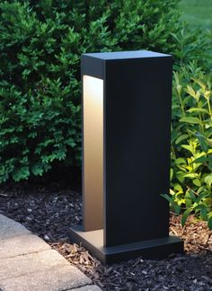 Exhibiting a modern, Zen-like design approach, the Syntra outdoor path light by Tech Lighting blends seamlessly into contemporary architecture and landscapes. The symmetric down lighting provides abundant outdoor illumination while the clean, angular a Outdoor Pathway Lighting, Driveway Lighting, Best Outdoor Lighting, Bollard Lighting, Outdoor Light Fixtures, Exterior Lighting, Landscape Lighting, Lighting Ideas, Led Path Lights