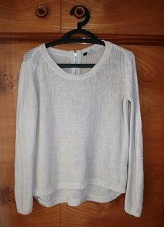 Kup mój przedmiot na #vintedpl http://www.vinted.pl/damska-odziez/bluzy-i-swetry-inne/12654639-bezowy-sweterek-marki-hm-z-dzialu-divided