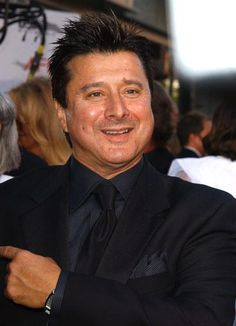 AWESOME pic of Steve Perry!