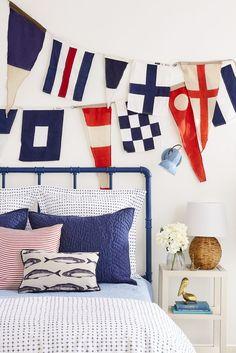 Ideas for Decorating a Nautical Home - seaside nautical design ideas Beach Cottage Style, Beach Cottage Decor, Coastal Cottage, Coastal Style, Coastal Decor, Cottage Living, Living Room, Coastal Living, Nantucket Style