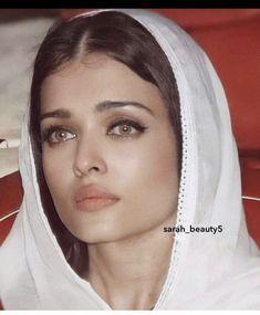 Aishwarya Rai, Beautiful Indian Actress, Indian Actresses, Celebs, Fashion, Celebrities, Moda, Aishwarya Rai Bachchan, Fasion