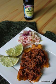 Patacones con carne desmechada – Comiendo en la Ciudad Fun Easy Recipes, Easy Meals, Healthy Recipes, Love Eat, Love Food, Colombian Food, Colombian Recipes, Food Doodles, Tasty