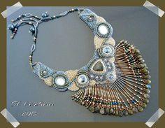 Des perles et une passion...: Collier brodé !