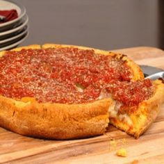 Chicago-Style Deep Dish Pizza OH YUM. Sounds complicated but might be worth the effort is it duplicates the deep dish pizza in Chicago. Pizza Recipes, Dinner Recipes, Cooking Recipes, Skillet Recipes, Cooking Gadgets, Barbecue Recipes, Barbecue Sauce, Cooking Tools, Grilling Recipes