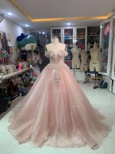 Pink Sparkly Dress, Sparkly Prom Dresses, Pretty Prom Dresses, Beautiful Dresses, Light Pink Wedding Dress, Light Pink Dresses, Amazing Prom Dresses, Sweet 16 Dresses, Dress Prom