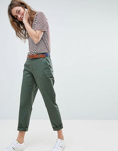 Jack Wills Chino Mens Dress Outfits, Summer Outfits Women, Casual Outfits, Cute Outfits, Fashion Mode, Tomboy Fashion, Fashion Outfits, Red High Waisted Pants, Looks Jeans