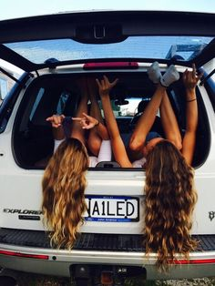 Image via We Heart It https://weheartit.com/entry/136865314/via/26823492 #car #friend #girls #nature #roadtrip