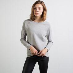 Everlane Boyfriend Sweatshirt Luxury essentials without traditional retail markups.