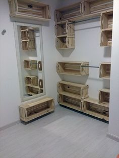 Home Design Interior and Outdoor Decoration Wooden Crates, Wood Pallets, Pallet Wood, Wooden Boxes, Wood Wood, Diy Casa, Box Houses, Pallet Shelves, Crate Shelving