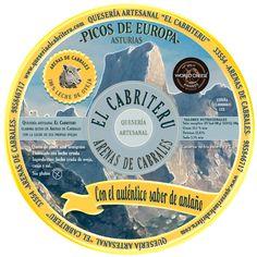 """Etiqueta de nuestro queso azul elaborado únicamente con leche de oveja procedente de nuestra ganadería.  Este queso fue premiado con una medalla de bronce en los World Cheese Awards 2016 en la categoría """"Mejor queso azul del mundo elaborado con leche de oveja""""."""