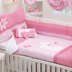 Edredon de cuna Baby Bedroom, Baby Room Decor, Cot Sheets, Girls Bedding Sets, Patchwork Baby, Baby Box, Cot Bedding, Baby Pillows, Kid Beds