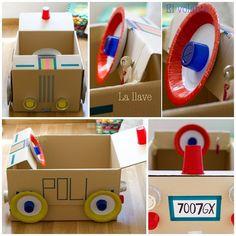 Coche de juguete hecho con cartón. Juguetes con material reciclado