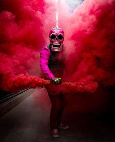 Skeleton of color Smoke Pictures, Cool Pictures, Creative Portraits, Creative Photography, Color Smoke Bomb, Gas Mask Art, Smoke Bomb Photography, Smoke Wallpaper, Smoke Cloud