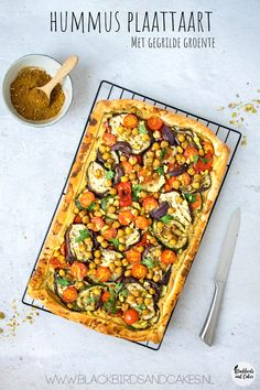 Hummus plaattaart - Food and drink - Good Healthy Recipes, Veggie Recipes, Healthy Snacks, Cheap Recipes, Vegetarian Cooking, Vegetarian Recipes, Cooking Recipes, Vegan Diner, Sauces