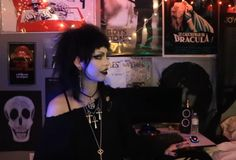 Goth Aesthetic, Aesthetic Clothes, Lost Sawyer, 80s Goth, Goth Subculture, Creepy Pictures, Gothic Fairy, Goth Women, Riot Grrrl